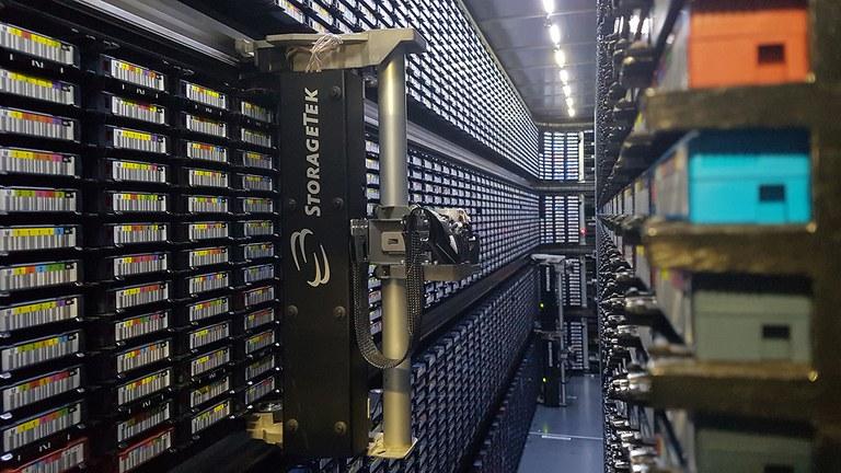 Neue Magnetbandkassetten fürs DKRZ-Archiv
