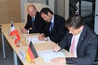 Vertragsabschluss für den HLRE-3 zwischen DKRZ und Bull