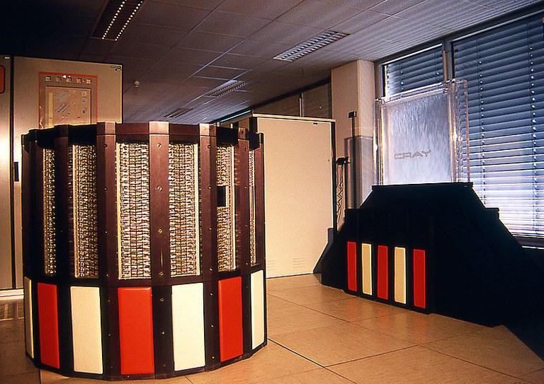 Fotos: DKRZ's Rechnerhistorie 1988-2015