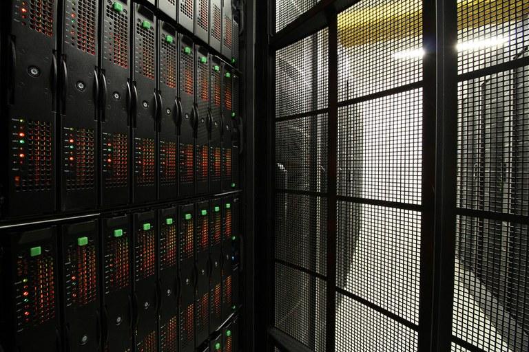 Fotos: HLRE-3, der Supercomputer Mistral (2015-heute)